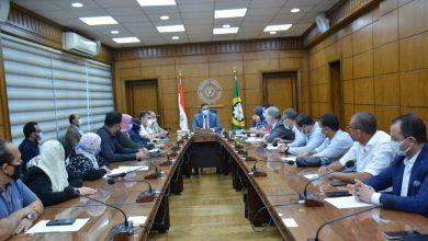 Photo of محافظ الدقهلية خلال اجتماع متابعة مراحل التنفيذ للاعمال الجارية لتطوير العشوائيات