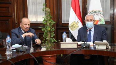 Photo of وزير الزراعة يلتقى برئيس شركة امات الدواجن السعودية ويؤكد على دعم الدولة للاستثمار المحلى والعربي والأجنبي