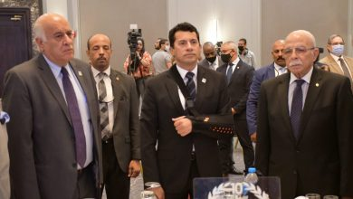 Photo of وزير الشباب والرياضة يكرم سفراء الرياضة العربية والمصرية