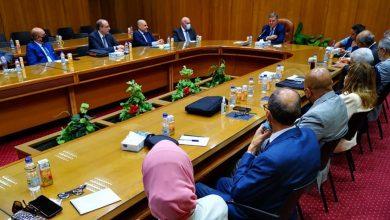Photo of وزير قطاع الأعمال العام: اهتمام كبير من القيادة السياسية ومتابعة دورية لتطوير قطاع الغزل والنسيج