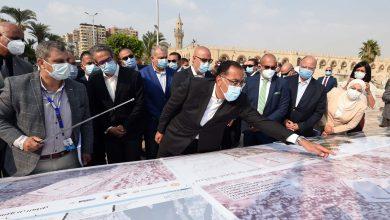 Photo of رئيس الوزراء يتفقد موقع تطوير ساحة مسجد عمرو بن العاص