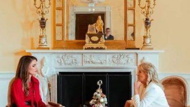 "Photo of زينب الشوربجي خبيرة الموضة تتحدث عن اطلالة ""الملكة رانيا"""