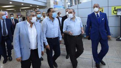 Photo of رئيس الوزراء يتفقد مبنى الركاب 2و3 بمطار القاهرة للاطمئنان على حركة السفر والوصول