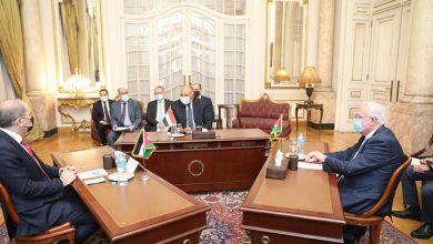 Photo of وزير الخارجية يعقد ووزيرا خارجية الأردن وفلسطين اجتماعًا تشاوريًا ثُلاثيًا
