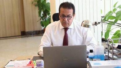 Photo of وزير التعليم العالي يستعرض قواعد التحويل بين الجامعات الخاصة