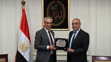 Photo of وزير الإسكان يلتقى نظيره الليبي لعرض التجربة العمرانية المصرية
