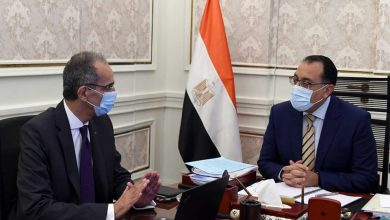 Photo of رئيس الوزراء يتابع مع  وزير الاتصالات ملفات عمل الوزارة