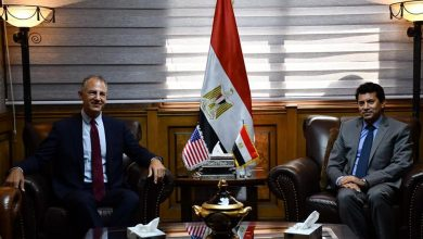 Photo of وزير الشباب والرياضة يبحث مع السفير الأمريكي بالقاهرة تعزيز التعاون المشترك