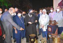 Photo of وزيرتا الثقافة والتجارة والصناعة تسلمان شهادات تخرج الدفعة الأولى من صنايعية مصر