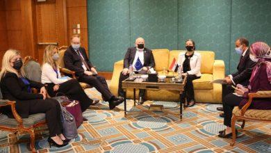 Photo of وزيرة البيئة تناقش مع نائب رئيس مفوضية الإتحاد الأوروبي الصفقة الخضراء نتائج الاجتماعات التشاورية الأخيرة للمناخ