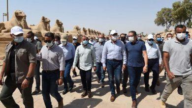 Photo of رئيس الوزراء يتابع أعمال الترميم بمعبد الكرنك وطريق الكباش