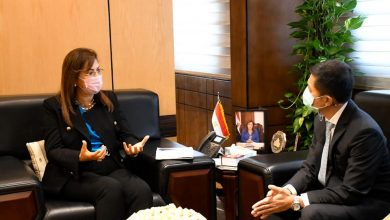 Photo of وزيرة التخطيط والتنمية الاقتصادية تناقش مع سفير تايلاند مجالات جذب المستثمرين التايلانديين للاستثمار في مصر